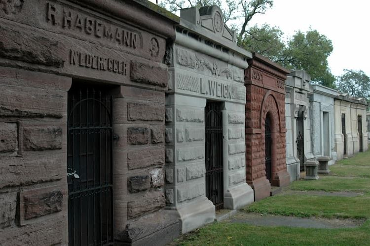 Graceland Cemetery mausoleums
